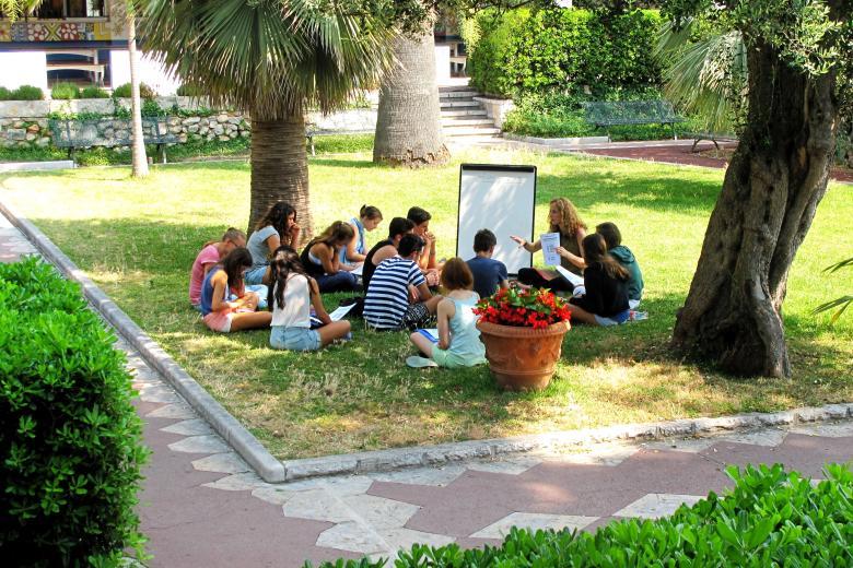 École CMEF - Cours de français en extérieur