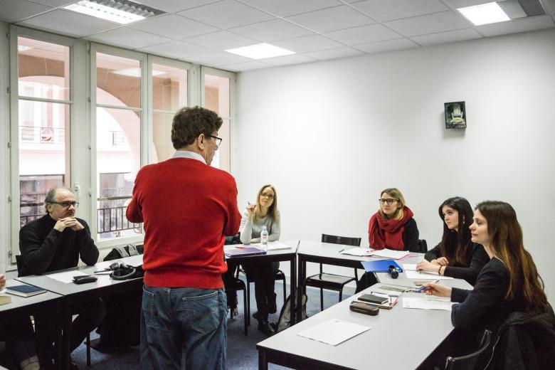 École Suisse de Paris - Salle de classe de français