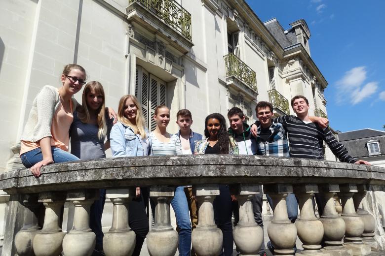 Institut de Touraine - Devant l'école de français