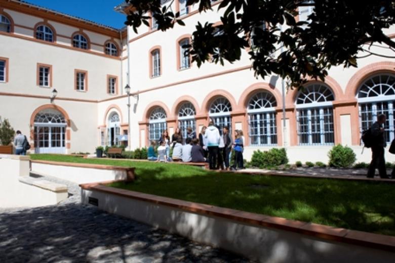 IULCF Toulouse - Extérieur de l'école de français