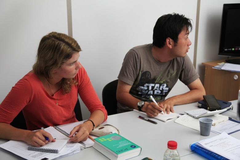 École Lyon Bleu International - Étudiants en classe de français