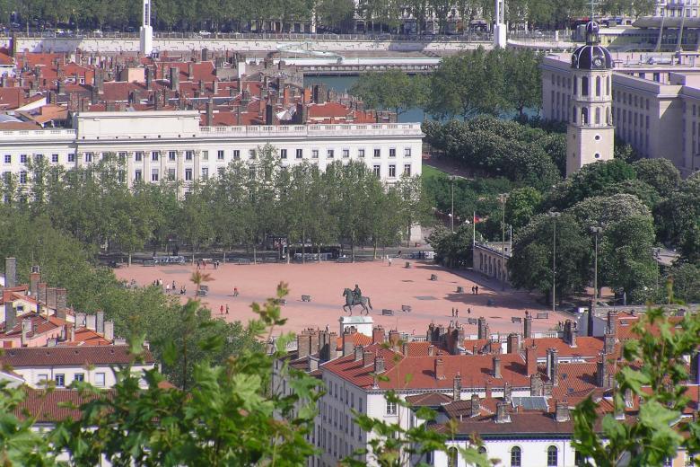 École Lyon Bleu International - Place Bellecour